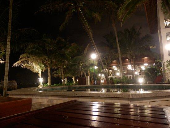 Novela Muine Resort & Spa: джакузи с подогревом.