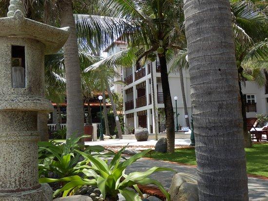 Novela Muine Resort & Spa: вид с пляжа