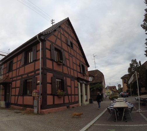 Sausheim, France: au Farfadet