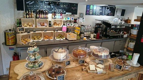 Saint-Jean-de-Sixt, Frankrijk: vue du bar au stef's wee coffee house