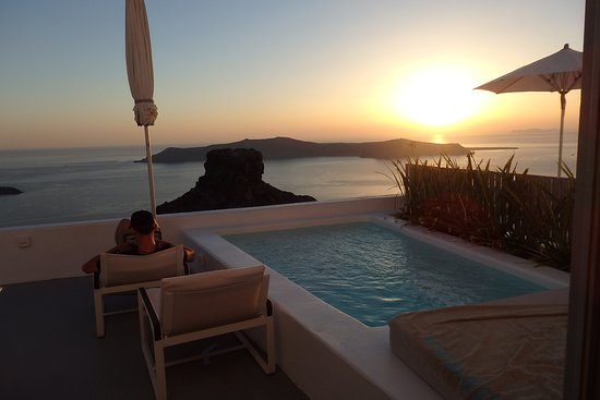 Grace Santorini Hotel: pool and view, deluxe room with pool 52