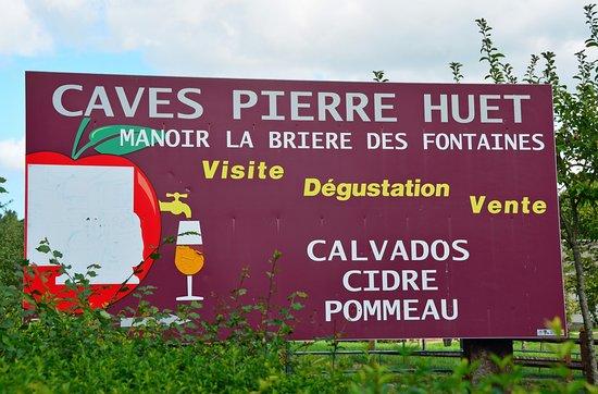 Cambremer, France : Roadside Entrance Sign