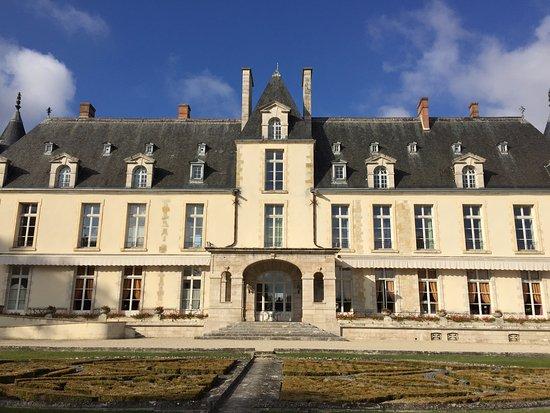 Augerville-la-Riviere, ฝรั่งเศส: vue château derriere