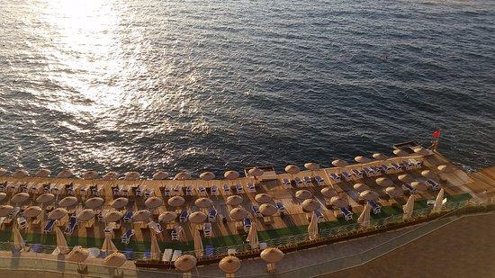 Charisma De Luxe Hotel: 20161018_175405_large.jpg