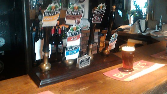 Wymondham, UK: Selection of buffy beer,but you MUST see the bar!!