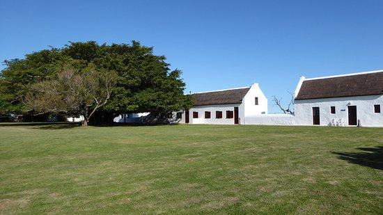 Bredasdorp, Afrika Selatan: Opstal Stable Suite rechts