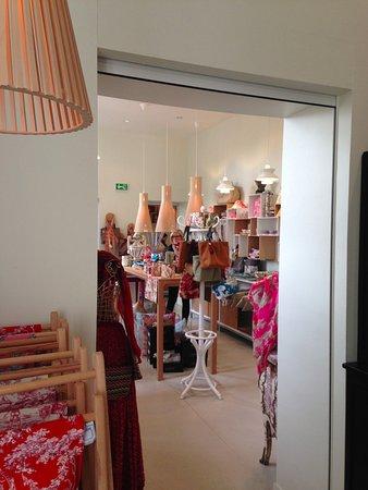 Jouy en Josas, Prancis: Museum shop