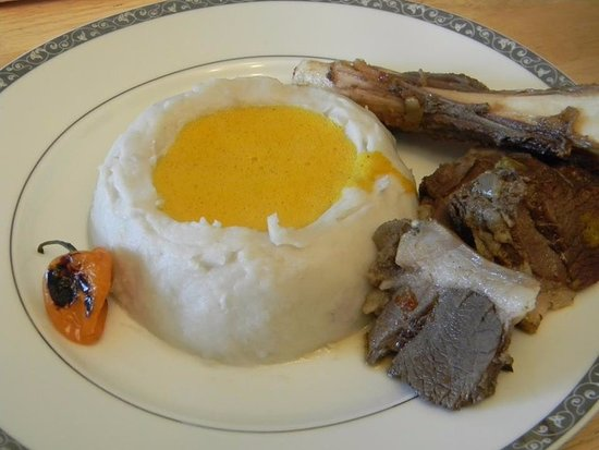Neupre, Бельгия: Taro sauce jaune viande de boeuf