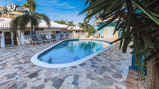 Kralendijk, Bonaire: Carib inn pool.