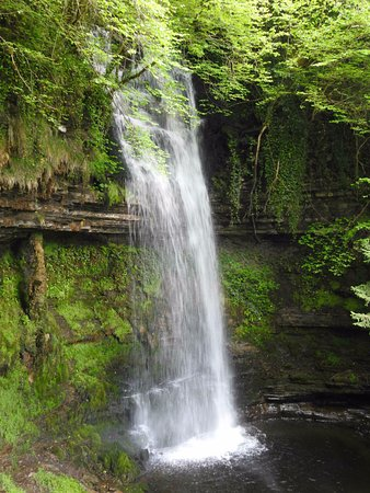 Leitrim, Irland: Waterfall in May