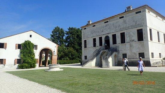 Giardino di Villa Emo: Back of Villa