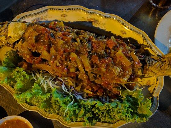 Restoran Haji Ramli: ikan tiga rasa...