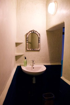 Green Milk Hostel: Newly renovated showers and bathrooms in 2016