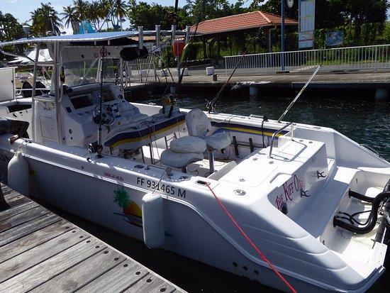 Trois-Ilets, Martynika: Super bateau équipé de 2 Mercury de 300ch chacun.