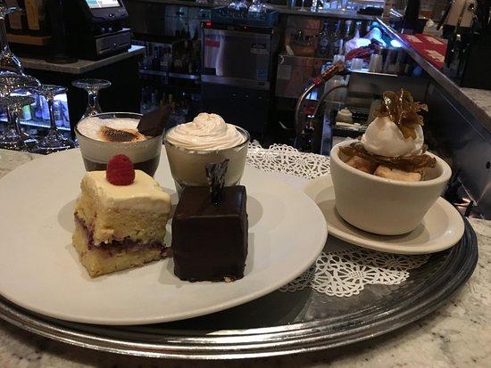 Wyomissing, Пенсильвания: Dessert Tray - 2016 Winter Menu