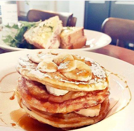 Cafe Madeleine: australian pancakes