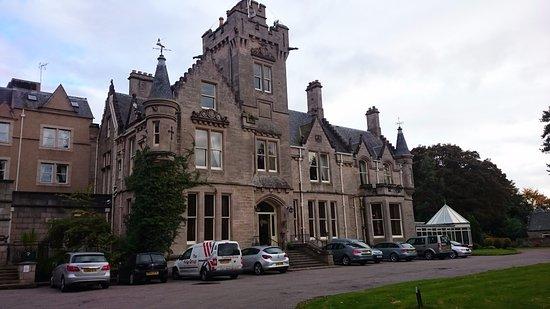 Nairn, UK: Beautiful building.