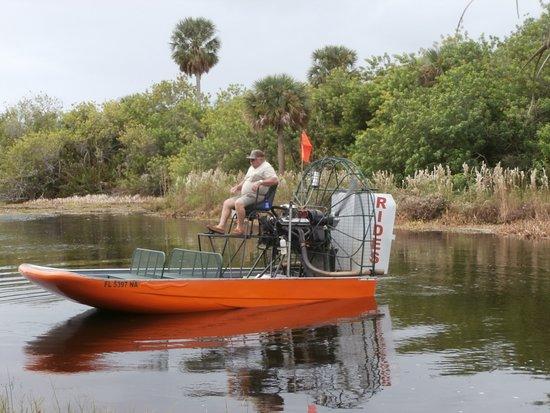 Okeechobee, FL: Captain Dennis and his boat