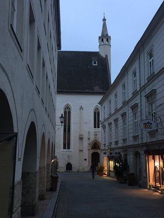 Krems an der Donau, Avusturya: Burgerspitalkirche St. Philipp & Jakob