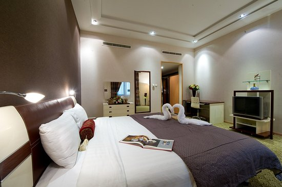 One Pavilion Luxury Serviced Apartments: Master Bedroom