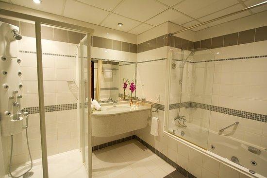 One Pavilion Luxury Serviced Apartments Image