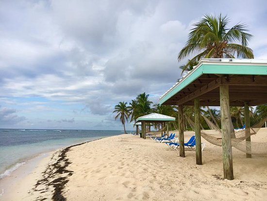Cayman Brac: Plenty of places to relax on the beach.