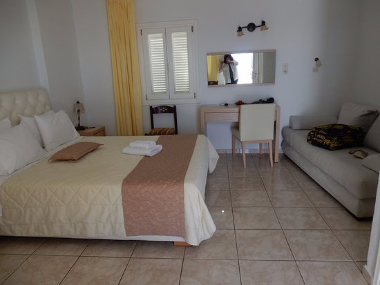 Hotel Mylos : Room 4 with private balcony
