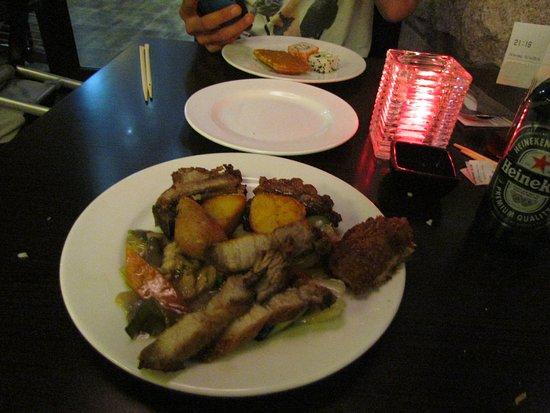 Rijperkerk, Niederlande: Diverse Chinese gerechten (o.a. spare ribs en spek)