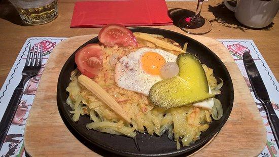 Andermatt, Svizzera: Egg and potato