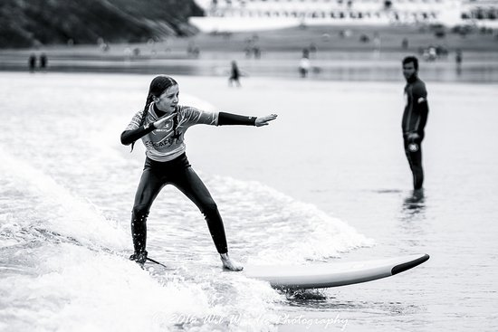 Newquay, UK: Learning to surf