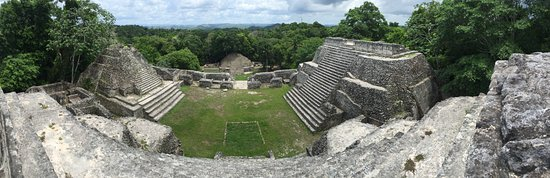 Cayo, Belize: View over the jungle
