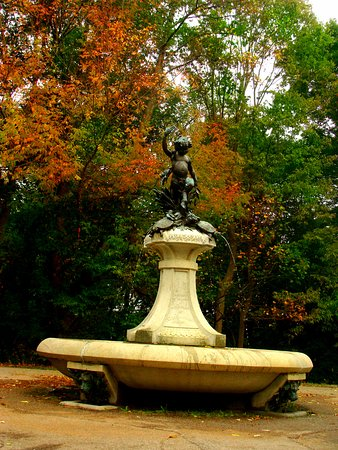 Cherokee Park: Park has beautiful views, and a great place to spend the day