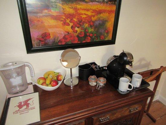 Irnham, UK: tea / coffee and free fruit