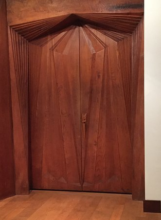 Wharton Esherick Museum: PMA - Arts and Crafts- American Galleries - Esherick door