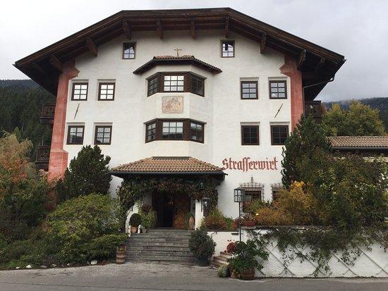 Strassen, Austria: Frontansicht Neubau