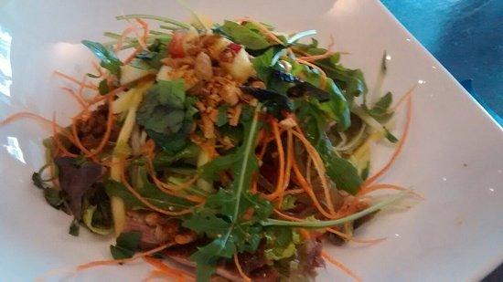 Yummy pho & duck salad with mango