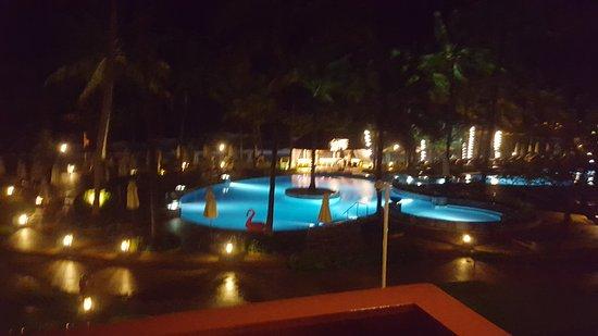 Katathani Phuket Beach Resort: 20161018_230020_large.jpg