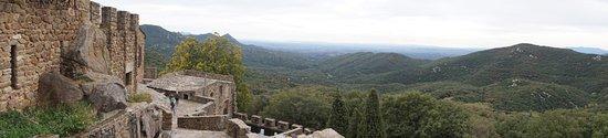 Requesens Castle: Castell y vistas