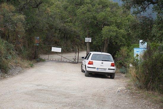Cantallops, Spania: Valla que se tiene que abrir y cerrar