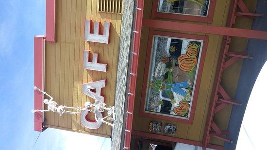 Beeline Cafe: 1023161010a_large.jpg