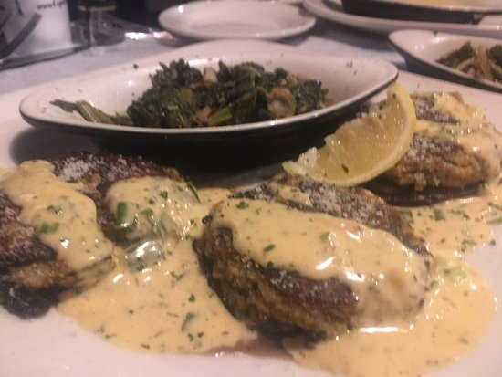 Flowood, MS: Seafood stuffed portobello