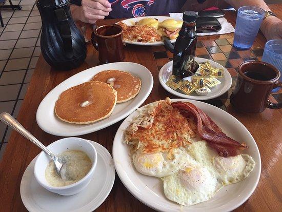 DeKalb, Ιλινόις: Great breakfast find!