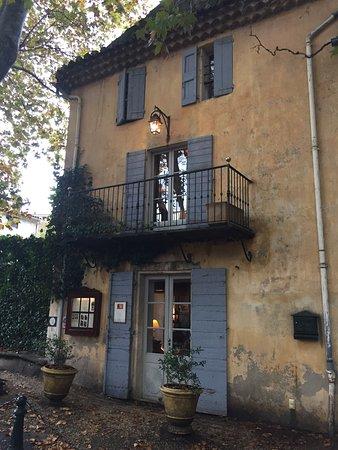 Cucuron, France : photo0.jpg