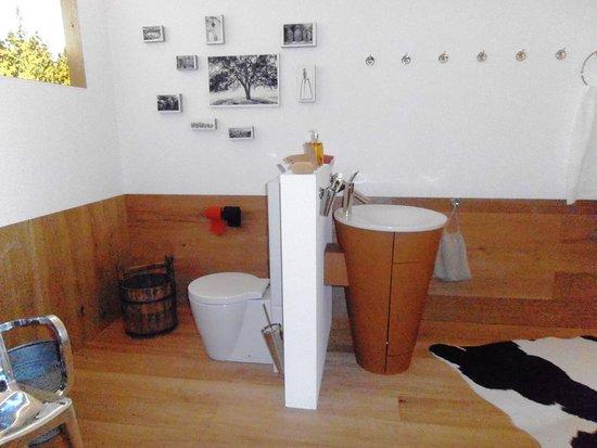 Schiltach, Tyskland: 80's Bathroom