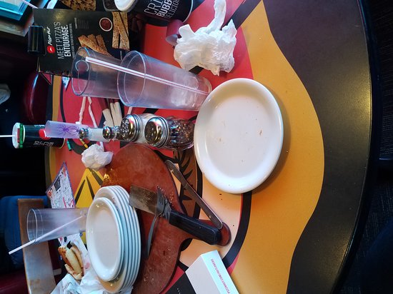 Corydon, IN: Table behind us dirty the entire meal