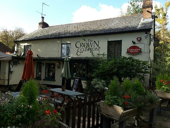 Camberley, UK: Front view. Crown and Cushion