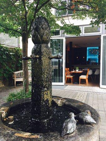 Hanau, Jerman: Gemütlicher Innenhof