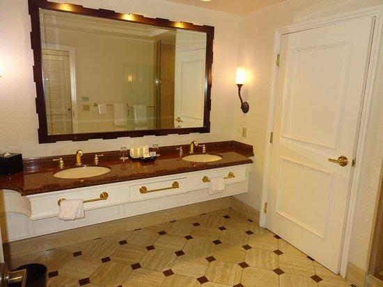 caesars palace bathroom vanity