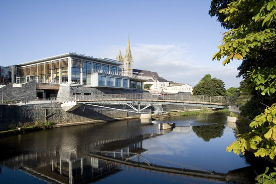 Omagh, UK: Strule Arts Centre and Visitor Information
