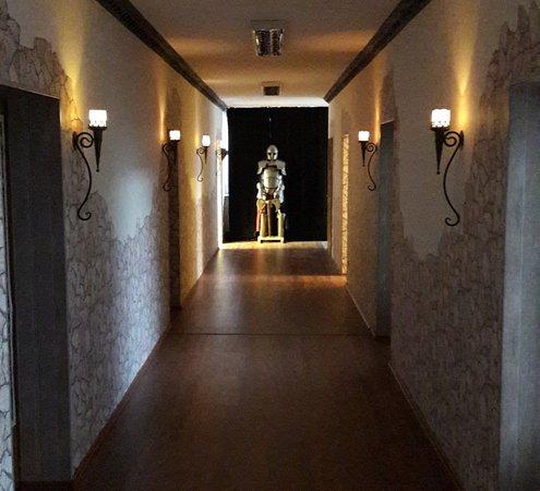 Hanau, Jerman: Ein Flur mit vielen Zimmern.